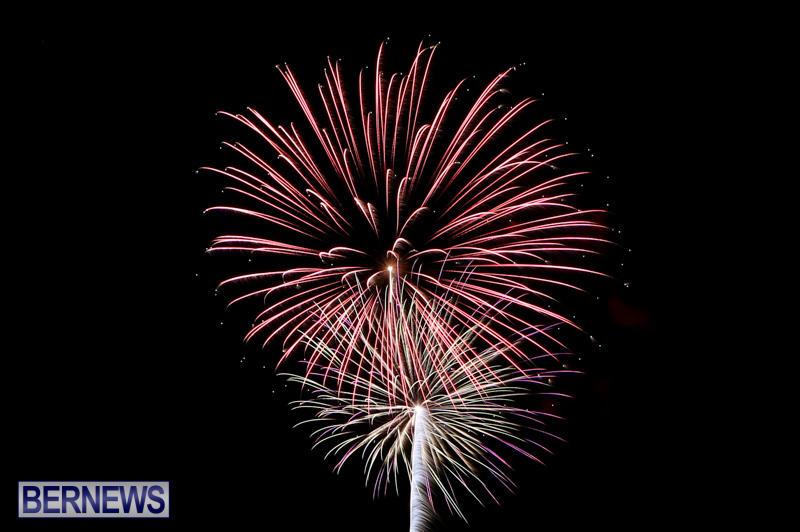 New-Years-Eve-Fireworks-Bermuda-December-31-2014-30