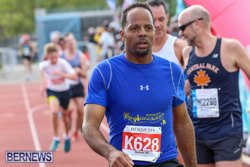 Race-Weekend-10K-Finish-Line-Bermuda-January-17-2015-70