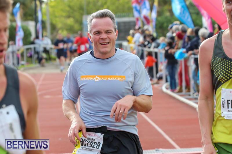 Race-Weekend-10K-Finish-Line-Bermuda-January-17-2015-85