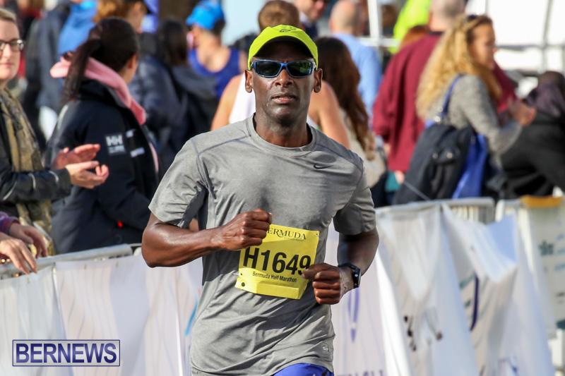 Race-Weekend-Marathon-Finish-Line-Bermuda-January-18-2015-101