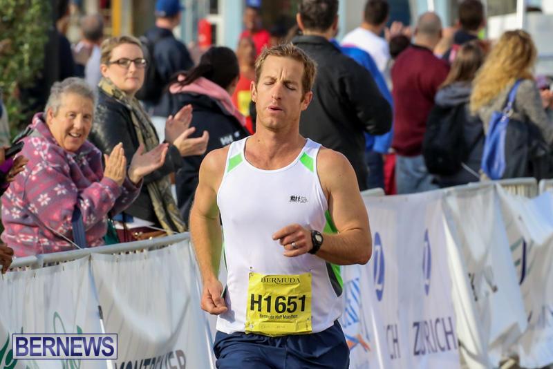 Race-Weekend-Marathon-Finish-Line-Bermuda-January-18-2015-40