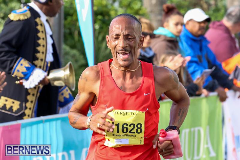 Race-Weekend-Marathon-Finish-Line-Bermuda-January-18-2015-47