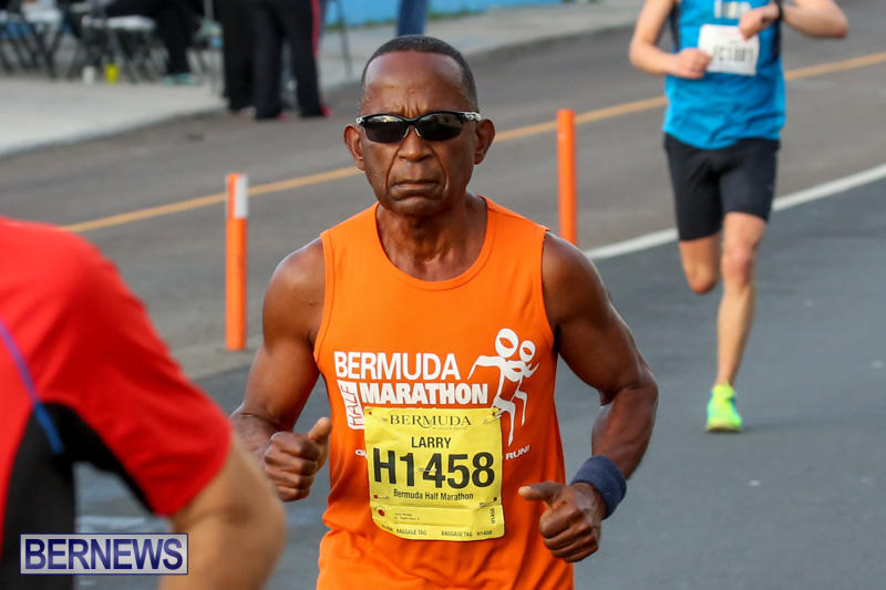 Race-Weekend-Marathon-Start-Bermuda-January-18-2015-41