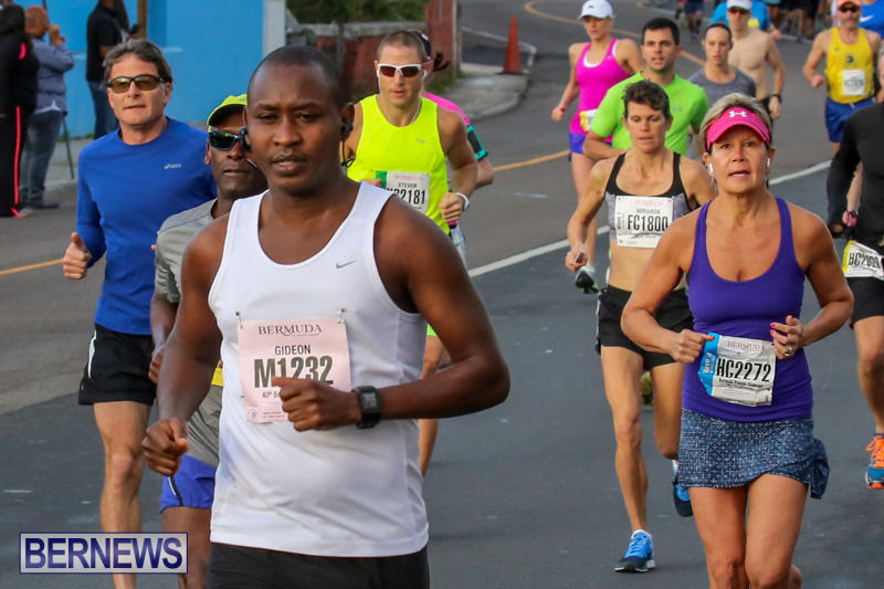 Race-Weekend-Marathon-Start-Bermuda-January-18-2015-54