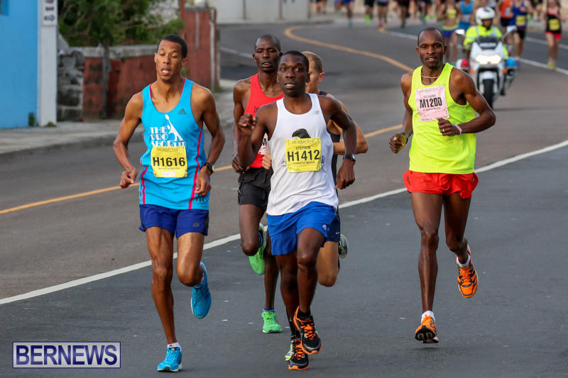 Race-Weekend-Marathon-Start-Bermuda-January-18-2015-6