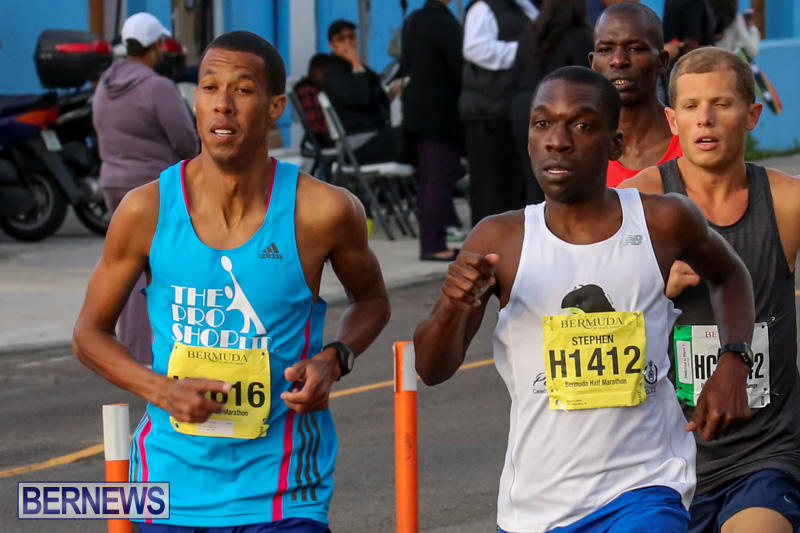 Race-Weekend-Marathon-Start-Bermuda-January-18-2015-8