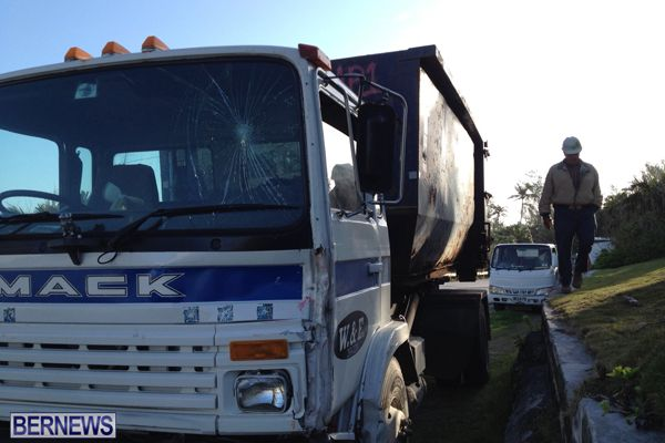 2 truck collision 2015March 27 (2)