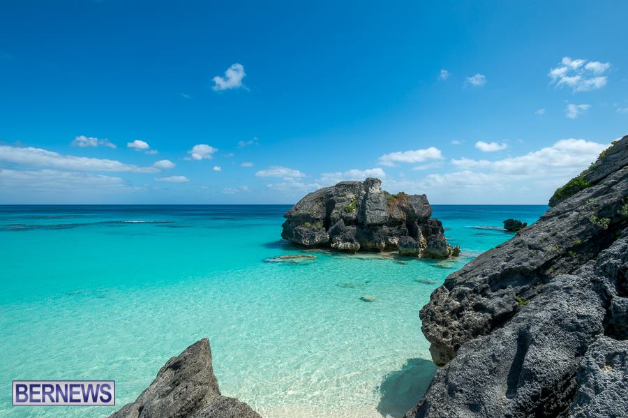 952-waters that surround the Island Bermuda Generic