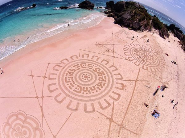 Bermuda Art Festival Andres Ariel Horseshoe-compressed