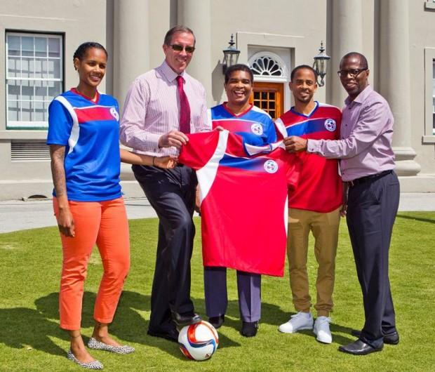 Premier Congratulates Natl' Football Team 2015 march (1)