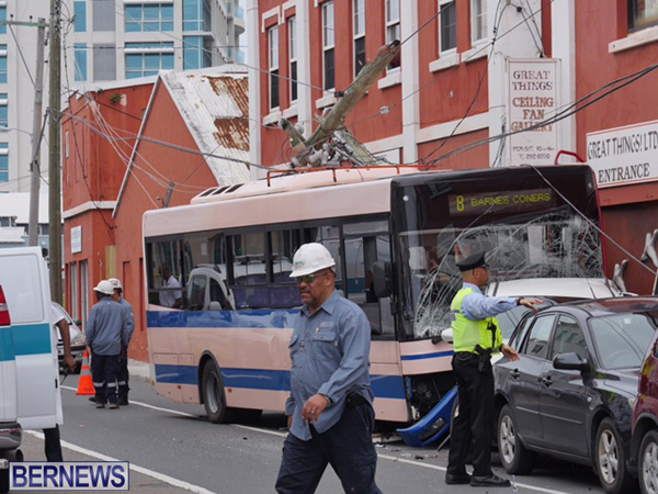 bus-car-crash-2015mar11-4