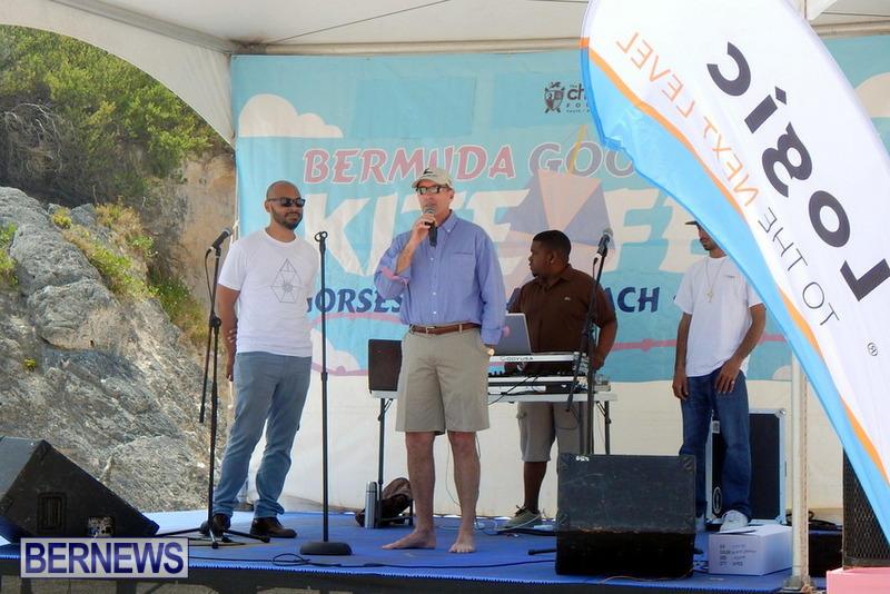 2015-Good-Friday-Bermuda-Kitefest-Horseshoe-14