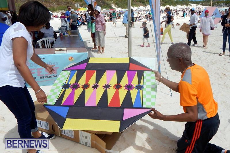 2015-Good-Friday-Bermuda-Kitefest-Horseshoe-16