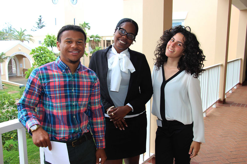 CBA-100-men-and-women-on-campus-2015-April-1