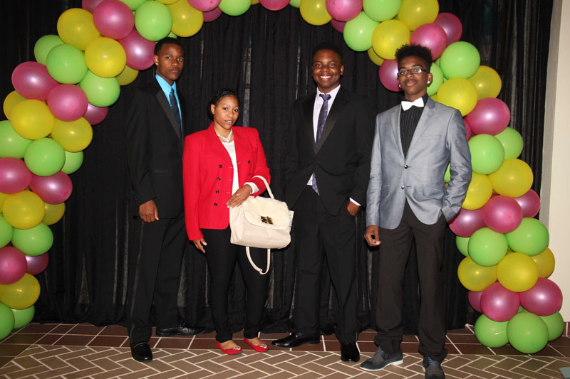 CBA-100-men-and-women-on-campus-2015-April-81