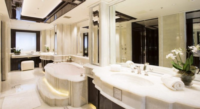 Illusion-V-superyacht-Owners-Bathroom-665x361