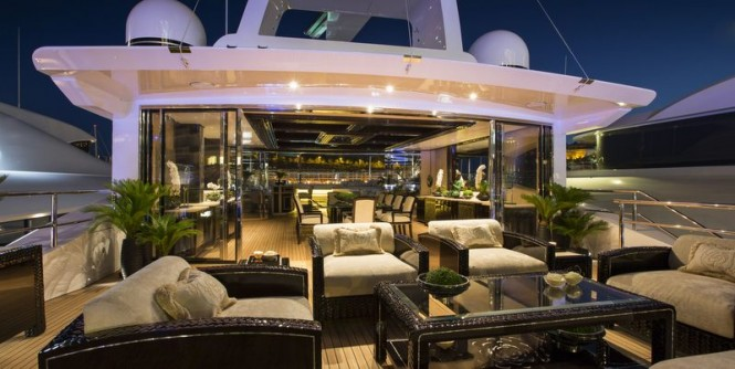 Illusion-V-superyacht-by-night-665x334