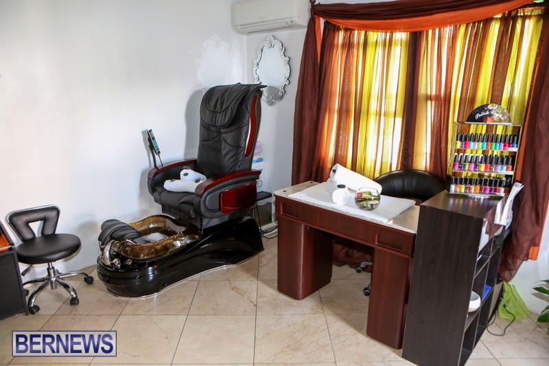 Maxilous-Salon-Bermuda-April-11-2015-10