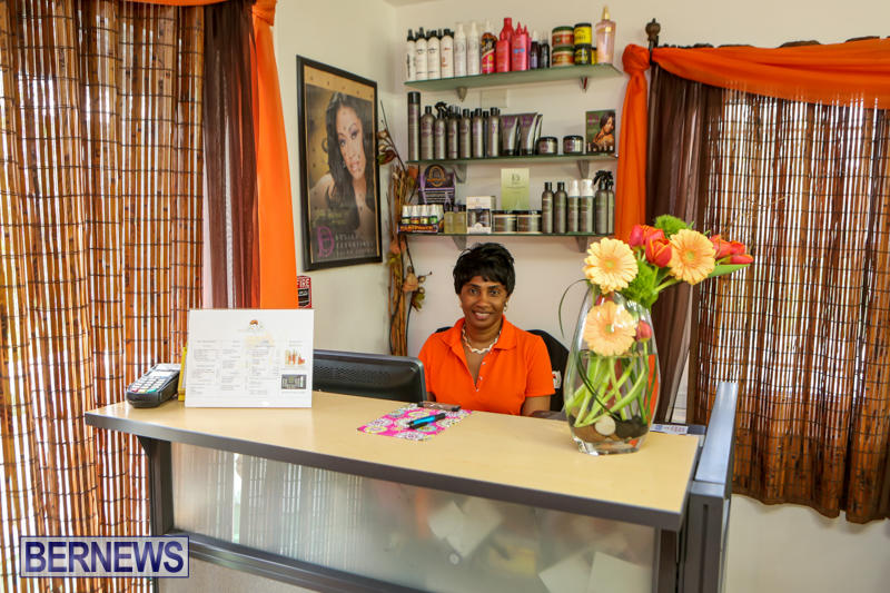 Maxilous-Salon-Bermuda-April-11-2015-21
