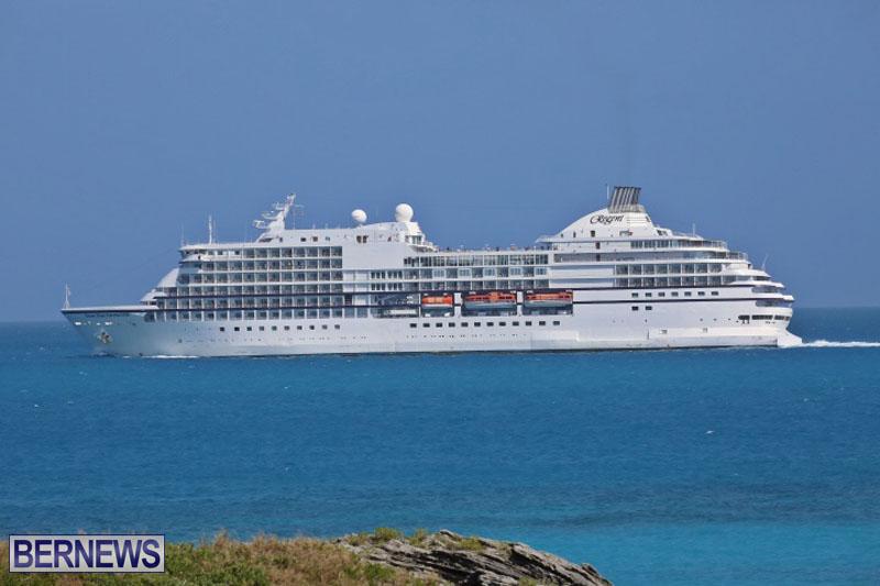 seven-seas-cruise-ship-in-Bermuda-April-2015-2