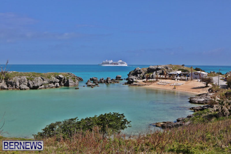 seven-seas-cruise-ship-in-Bermuda-April-2015-3