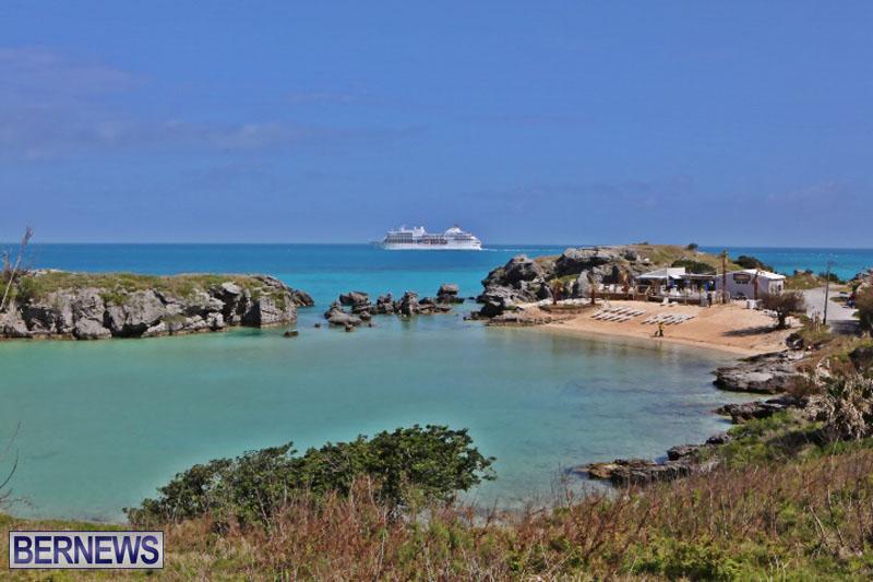 seven-seas-cruise-ship-in-Bermuda-April-2015-3