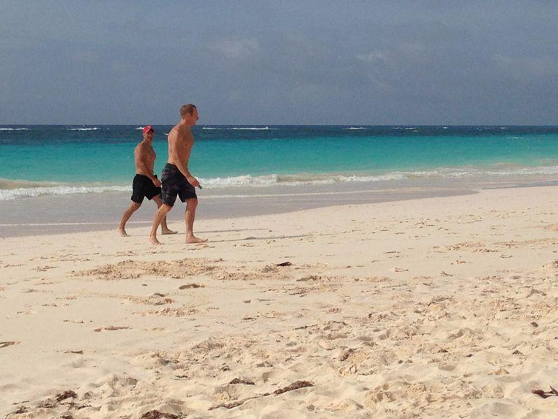 team-oracle-USA-training-beach-bermuda-april-2015-17