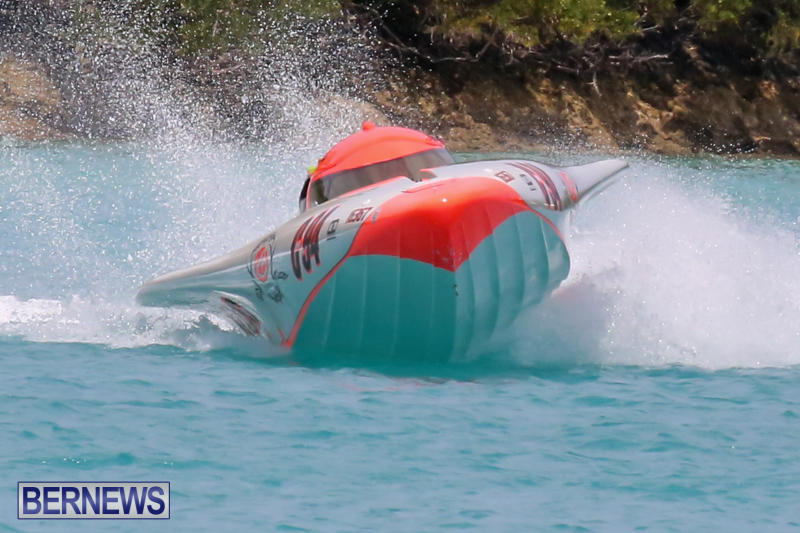 Powerboat-Racing-Bermuda-May-31-2015-10