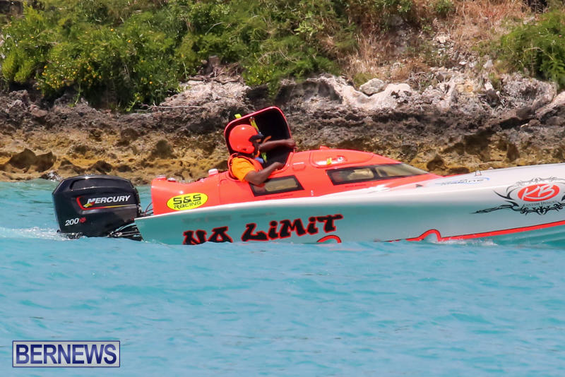 Powerboat-Racing-Bermuda-May-31-2015-16