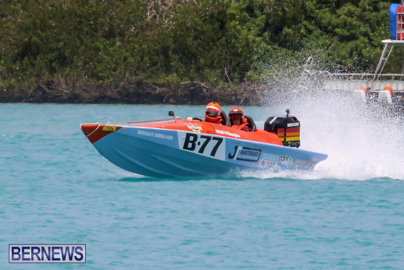 Powerboat-Racing-Bermuda-May-31-2015-17