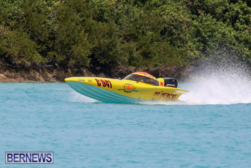 Powerboat-Racing-Bermuda-May-31-2015-25