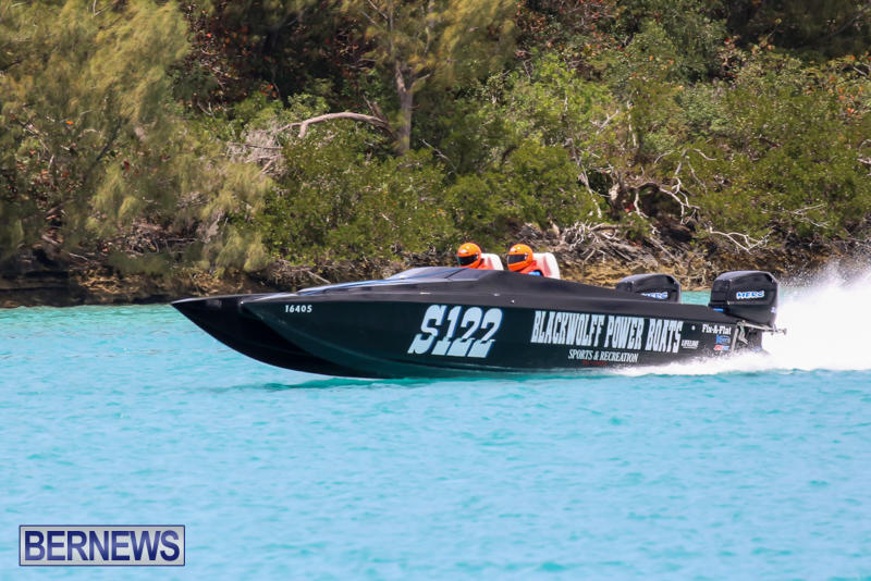 Powerboat-Racing-Bermuda-May-31-2015-31