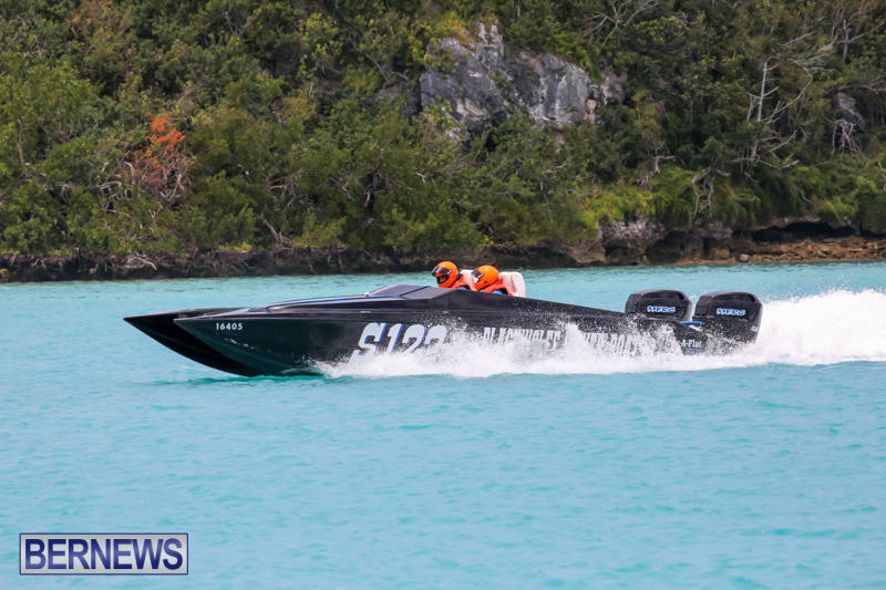 Powerboat-Racing-Bermuda-May-31-2015-45