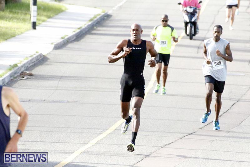 Sir-Stanley-Burgess-5K-Running-Race-2015-13