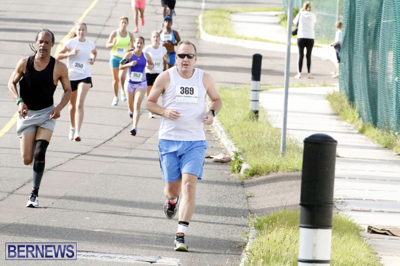 Sir-Stanley-Burgess-5K-Running-Race-2015-14