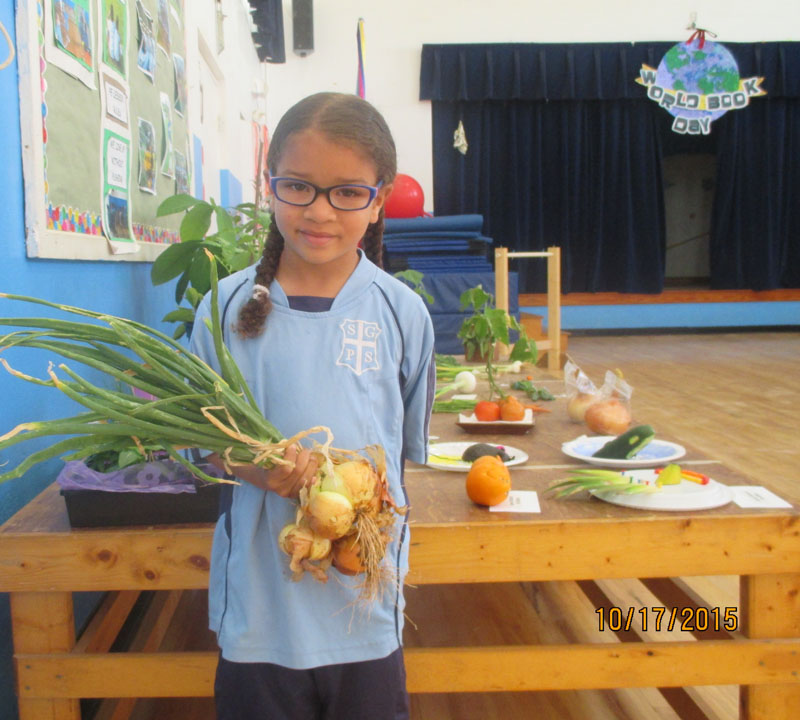 St.-George's-Children-Fun-Packed-Day-2015May22-73-ls