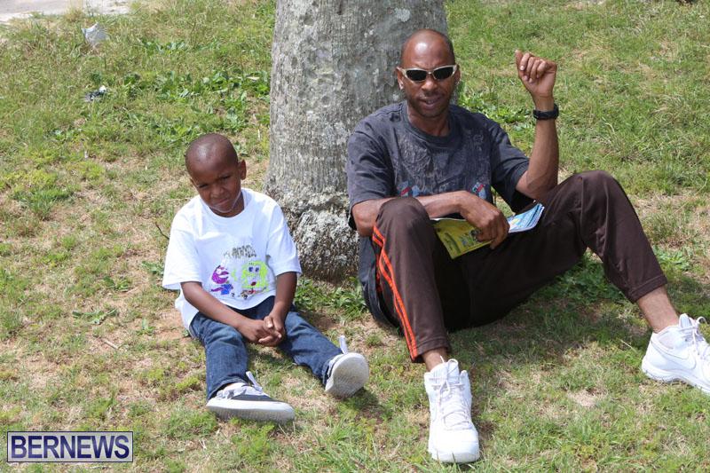 elliot-reading-bermuda-may-2015-12