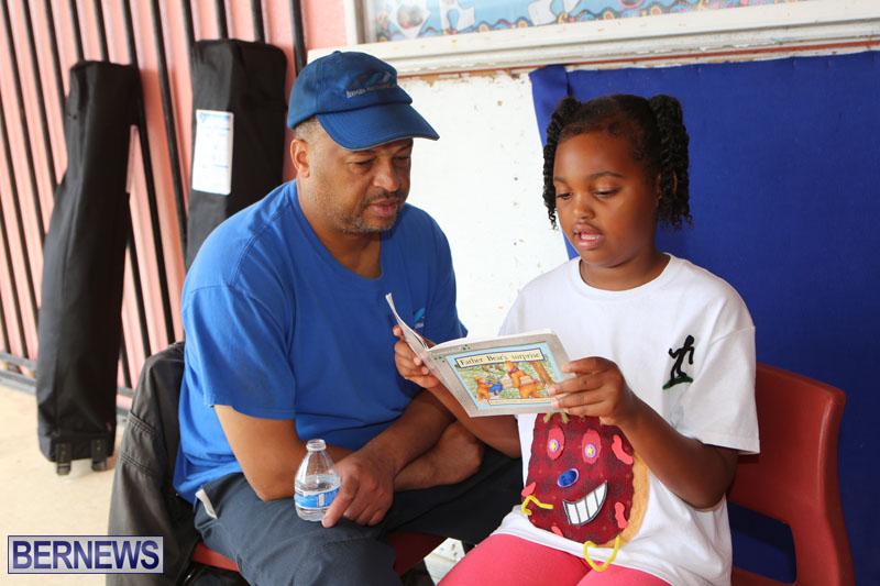 elliot-reading-bermuda-may-2015-39
