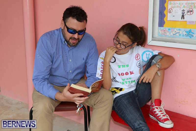 elliot-reading-bermuda-may-2015-40