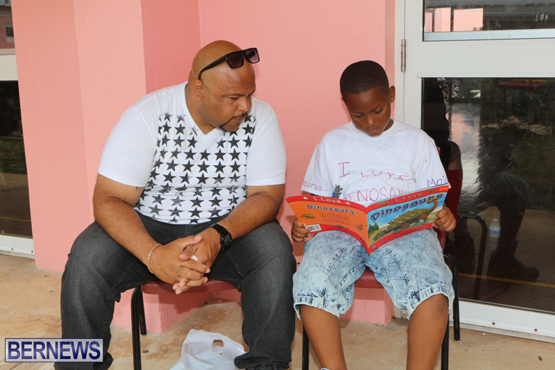 elliot-reading-bermuda-may-2015-42