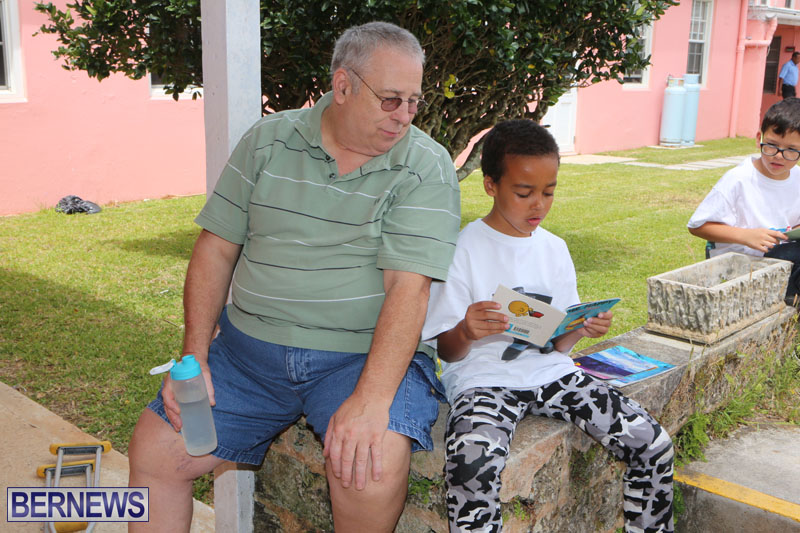 elliot-reading-bermuda-may-2015-46