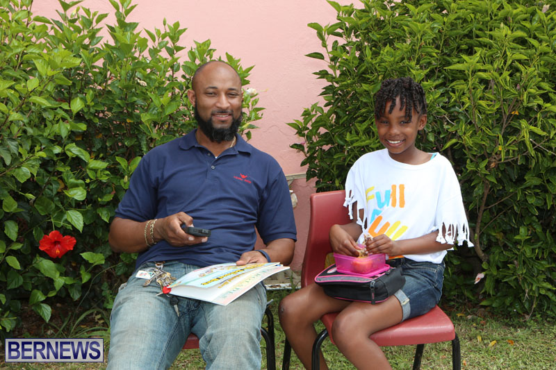 elliot-reading-bermuda-may-2015-53