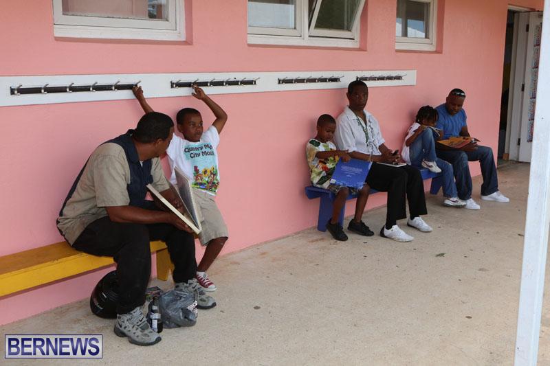 elliot-reading-bermuda-may-2015-60