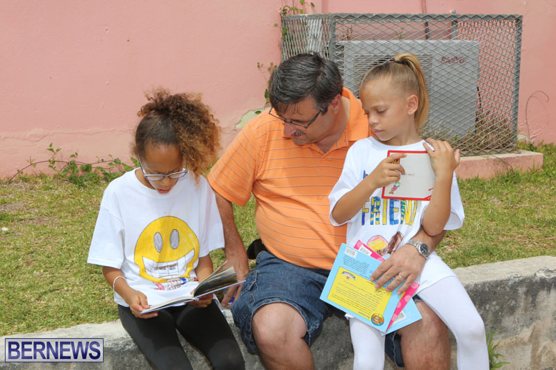 elliot-reading-bermuda-may-2015-95