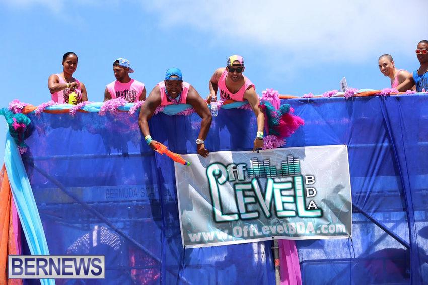 BHW-Parade-of-Bands-June-2015-bermuda-7