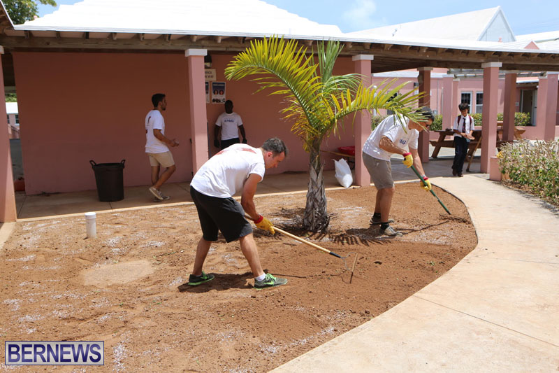 KPMG-Clean-Up-At-Dellwood-School-June-5-2015-15