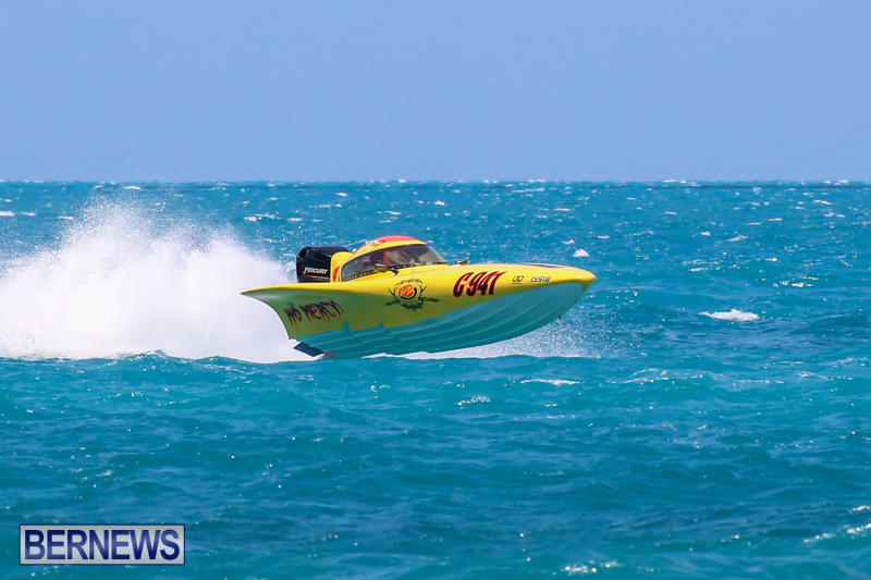 Powerboat-Racing-Bermuda-June-28-2015-14