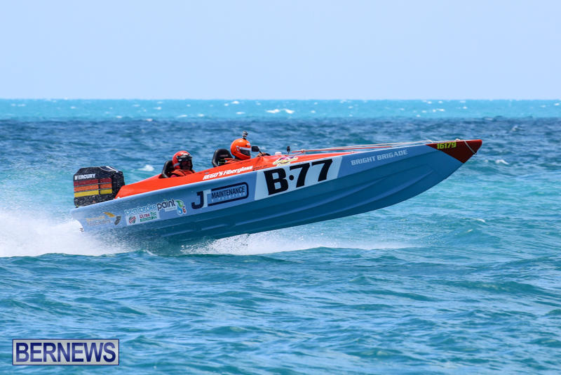 Powerboat-Racing-Bermuda-June-28-2015-18