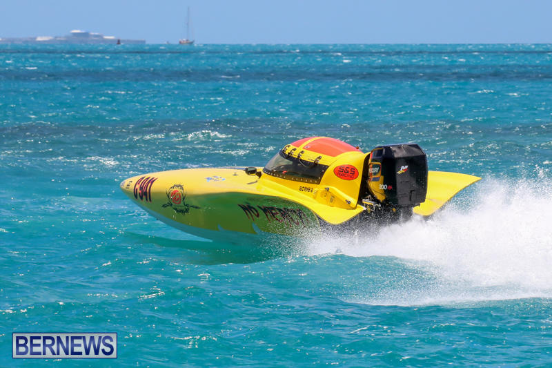 Powerboat-Racing-Bermuda-June-28-2015-29