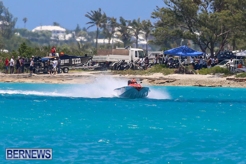 Powerboat-Racing-Bermuda-June-28-2015-32
